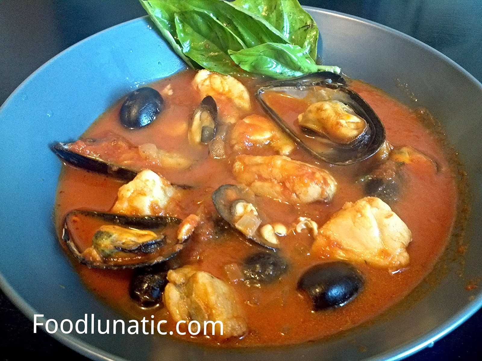 Food Lunatic: Monkfish and Mussel in Olive and Tomato Sauce