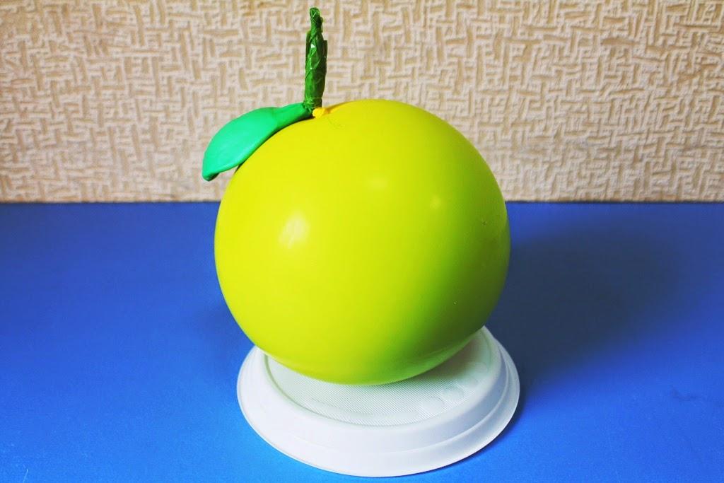 фигура яблоко из воздушных шаров