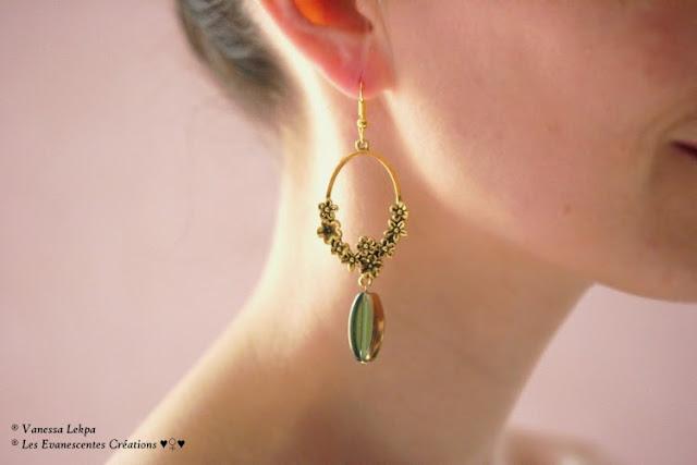 Vanessa Lekpa : boucles d'oreille style ancien vintage avec estampe chandellier doré et perle de verre verte émeraude , bijoux pas cher et boucles d'oreille de jeunes créateur