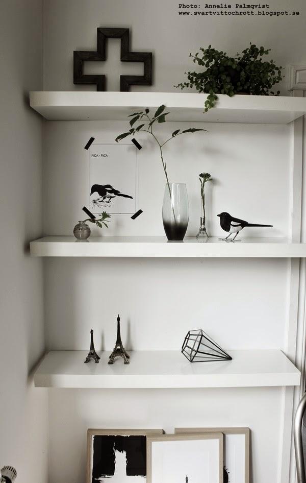 diy, inredning, detaljer, spraya på vas, vaser, göra om gamla saker så att de blir fina, minimalistisk inredning, inreda, kors av trä, konsttryck, poster, tavla, tavlor, webshop, skator, fåglar, fågel, print, prints, svart och vitt, svartvita,