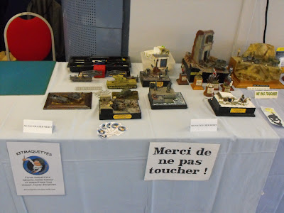 Maquettexpo : La table de Kitmaquettes DSCF2220