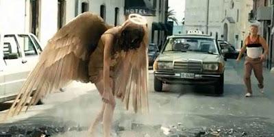 iklan malaikat jatuh
