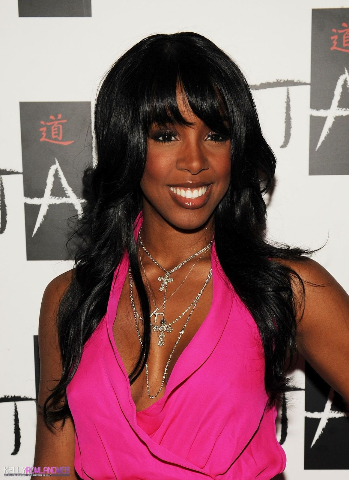 http://4.bp.blogspot.com/-fzDJTL_kyKo/UB2J5iLIdkI/AAAAAAAAFQI/HtEZPa7WJIw/s1600/Kelly-Rowland-hairstyle-pictures-singer-actress-celebrity-on%2Band%2Bon-Kelly-Rowlands-wallpapers%2B(11).jpg