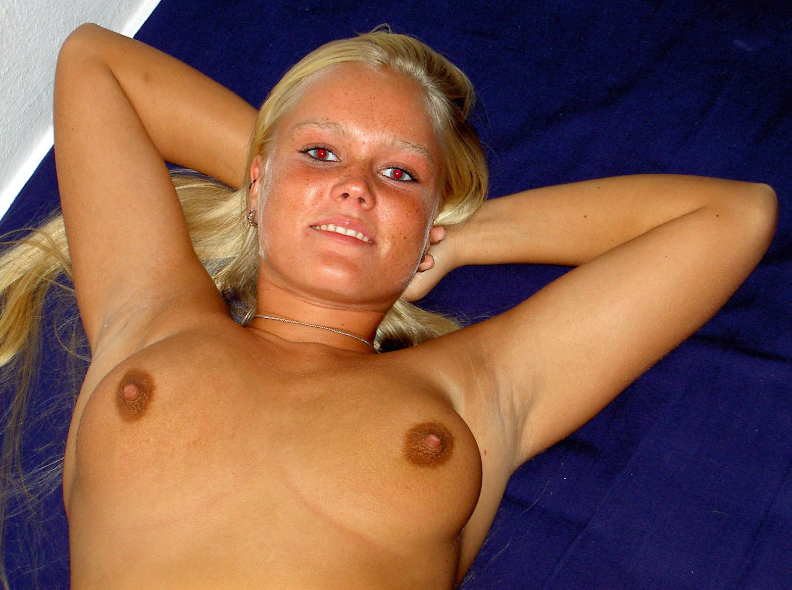 babes with nude armpits