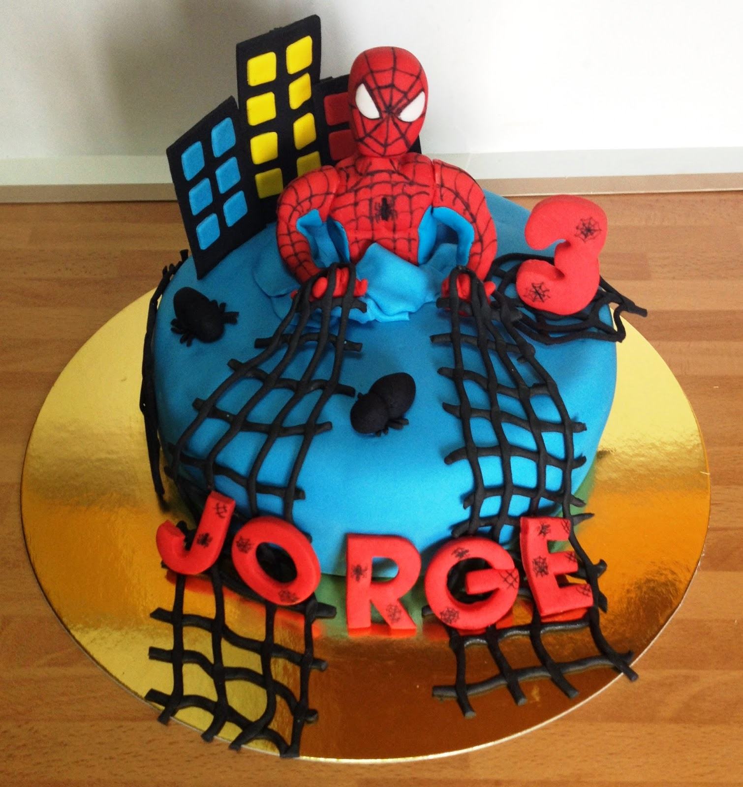 TARTA DECORADA SPIDERMAN; TARTA FONDANT SPIDERMAN; TARTA SPIDERMAN