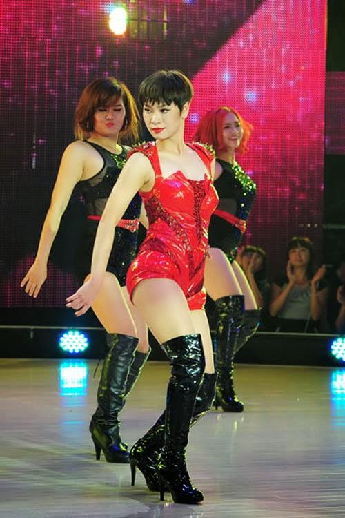 Ngắm nhìn những ca sỹ Việt bốc lửa trên sân khấu