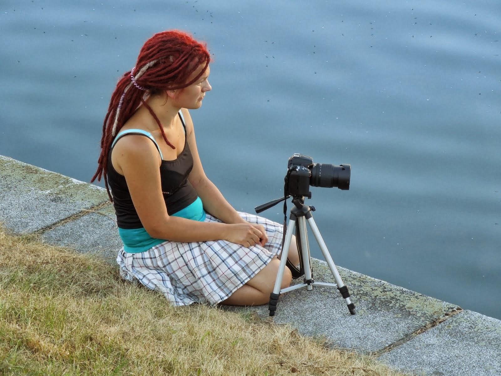 Dívka a fotoaparát
