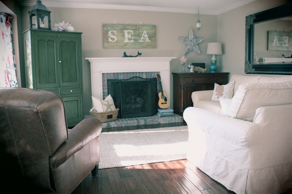 welcome beach theme family room