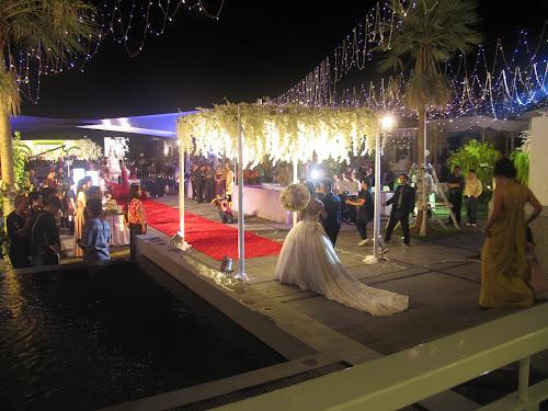 Wedding outdoor swimming pool area, The Club Graha Padma Semarang