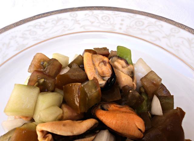 Salpicón de mejillones, ensalada