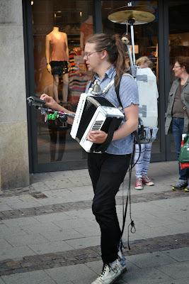 Street performer in lund