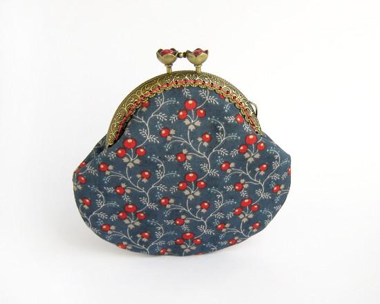 blue coin purse, синий кошелек с ягодами
