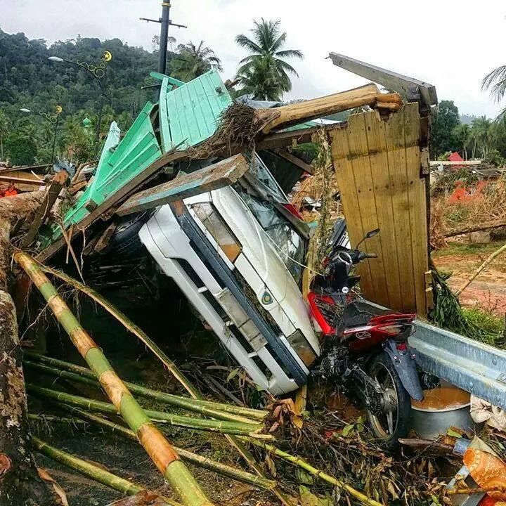 Kereta rosak akibat banjir
