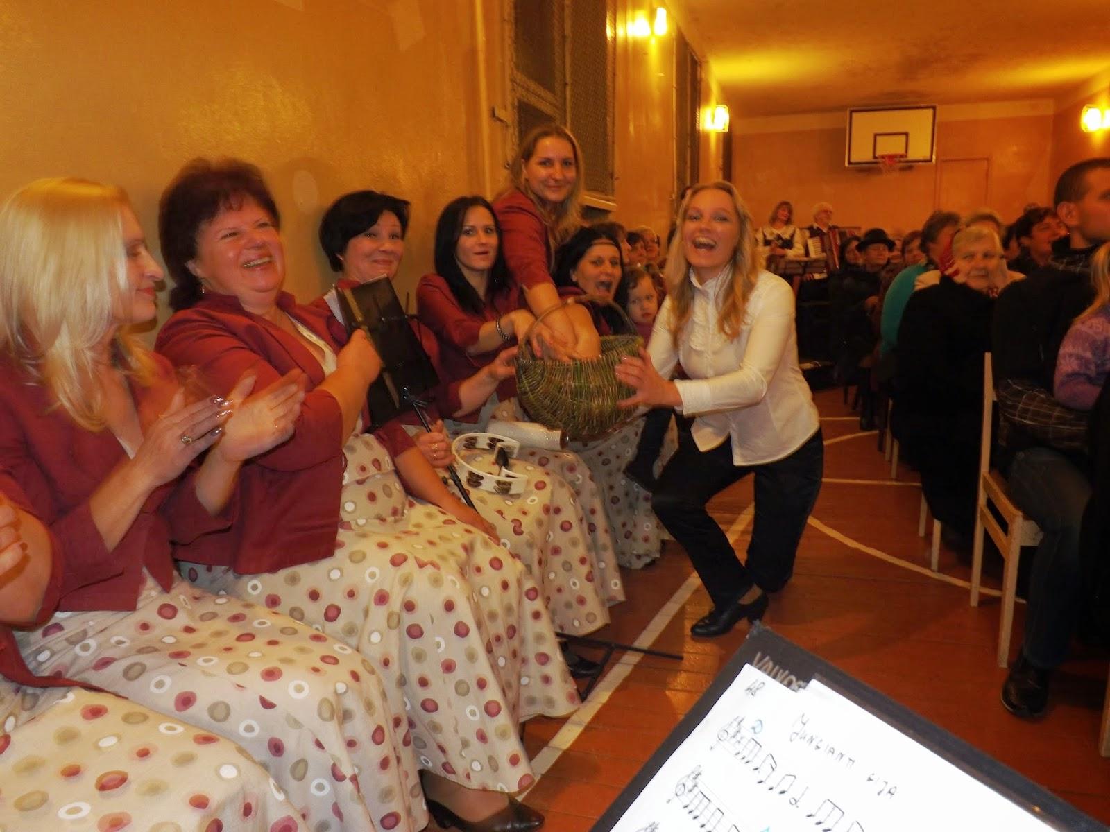 http://www.kupiskiokultura.lt/search/label/Liaudies%20muzikos%20akordai%20jau%20penktojoje%20-Spanguolyn%C4%97je