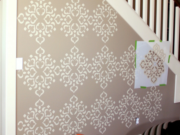 Truly Devine Design: How to Stencil a Focal Wall