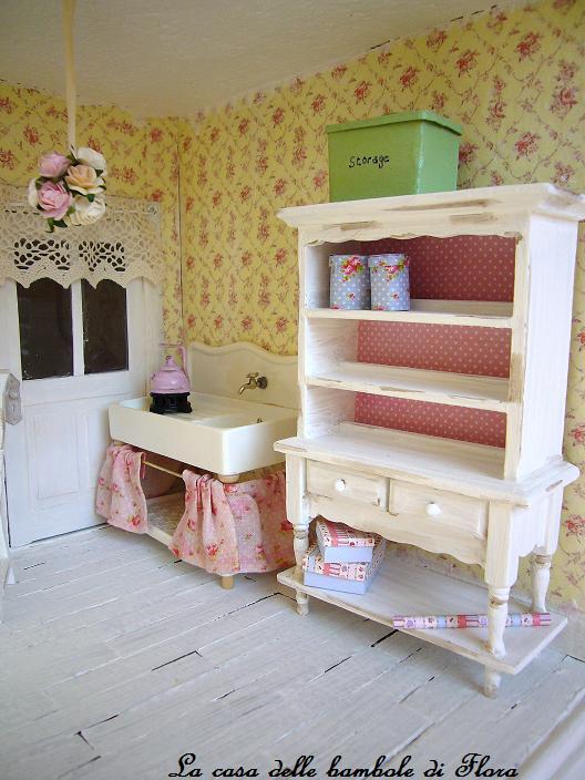 La casa delle bambole di flora febbraio 2011 for Piano casa delle bambole vittoriana