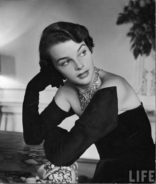 Hattie Carnegie Gloves #1950s #gloves #50s #fashion #vintage