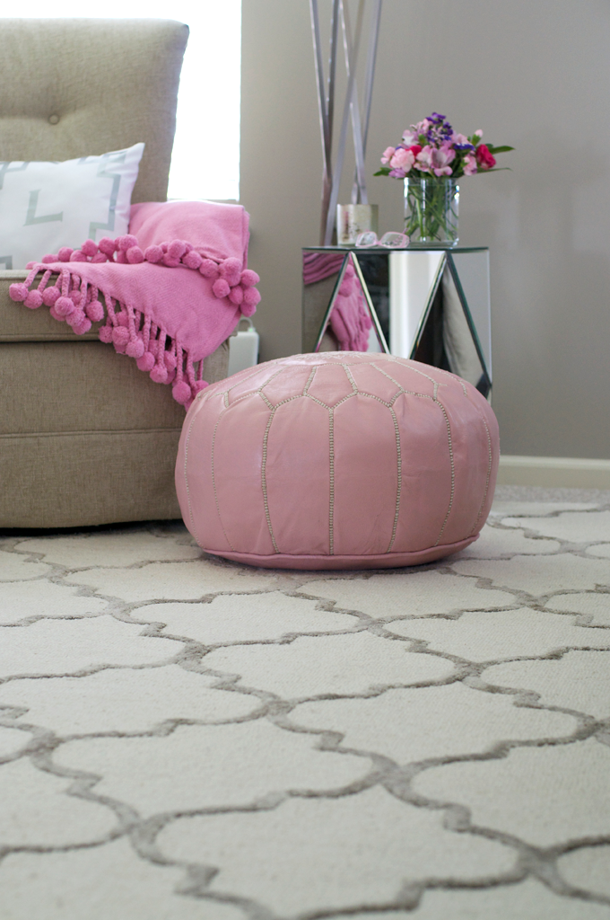 lattice-rug-pink-pouf