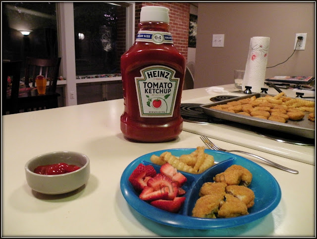 Tyson Chicken Nuggets with Heinz Ketchup!