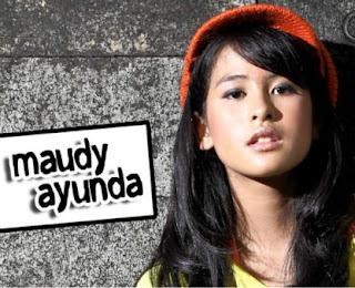 Ngintip Kecantikan Maudy Ayunda