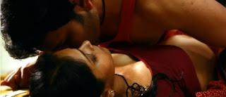Veena Malik Romance Hot Pictures in Zindagi 50 50