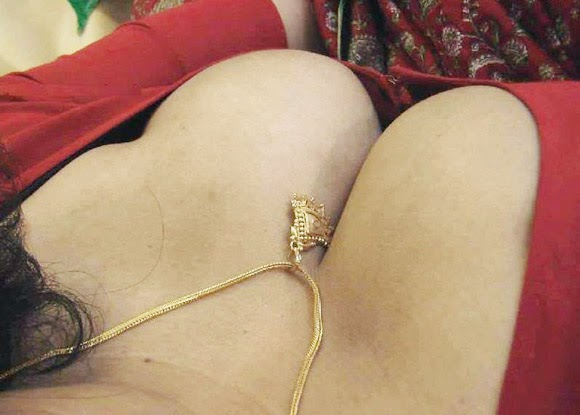 Mallu Aunty Big Boobs Pictures