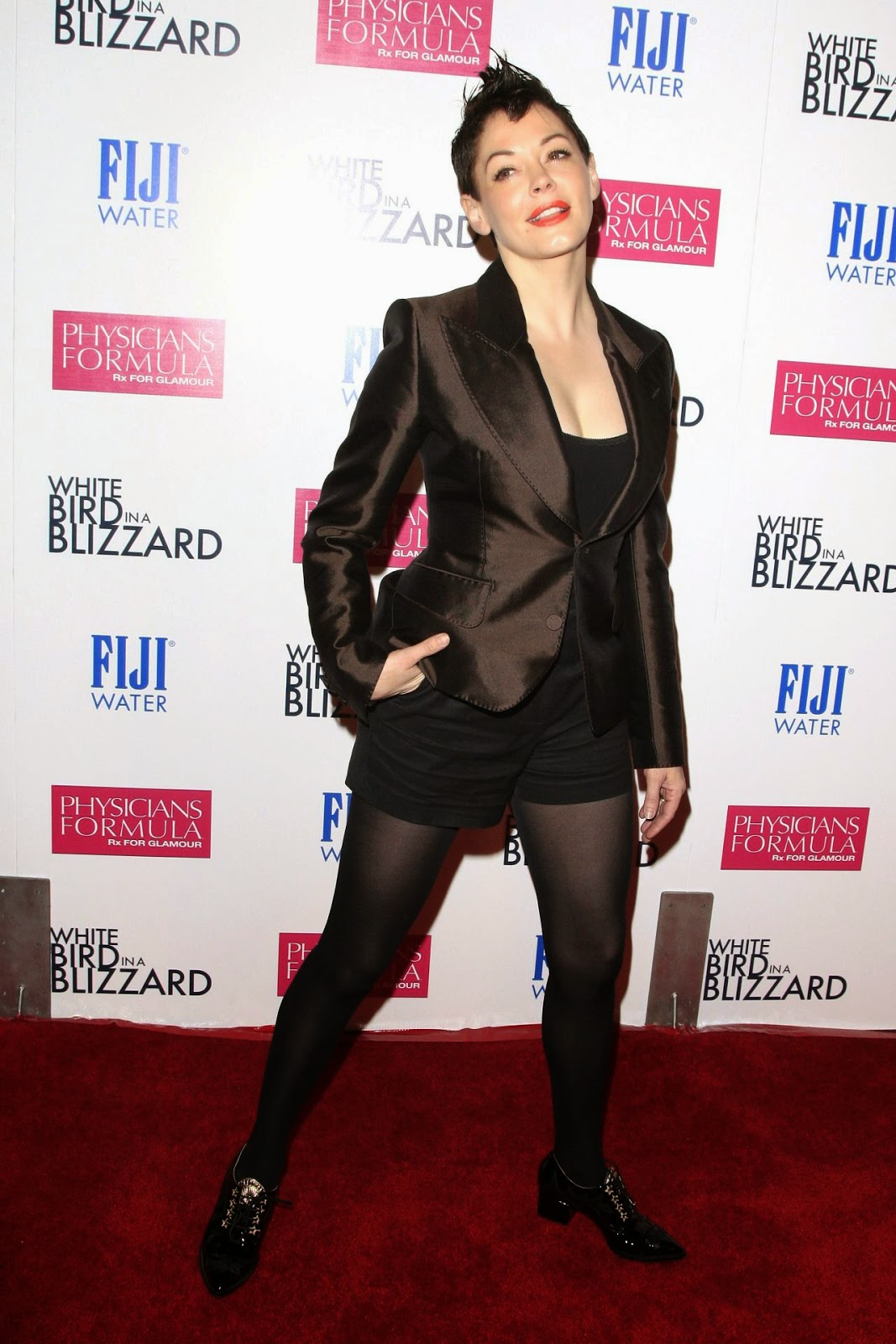 Rose MGowan in an edgy black style at the 'White Bird in a Blizzard' LA premiere