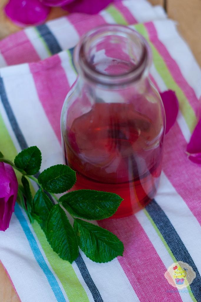 przepis na ocet różany, ocet różany przepis, przepis ocet rozany, jak zrobić ocer różany