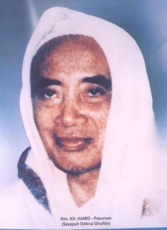 Terkuaknya Kewalian Kyai Hamid, Kisah Salamnya Kepada 'Wali Gila' di Pasar Kendal