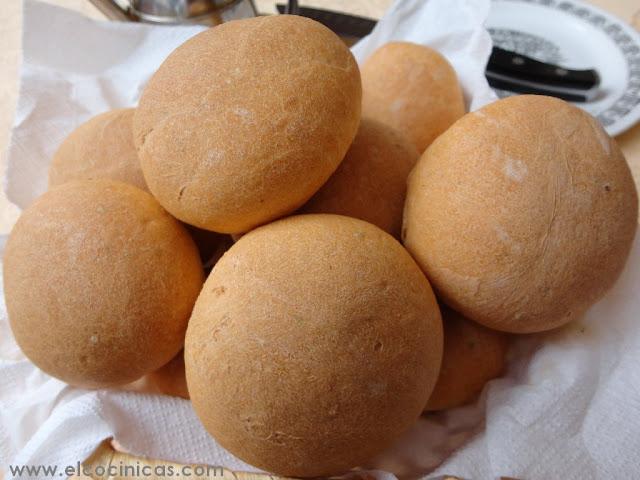 Pan de Tomate. Bollos de tomate