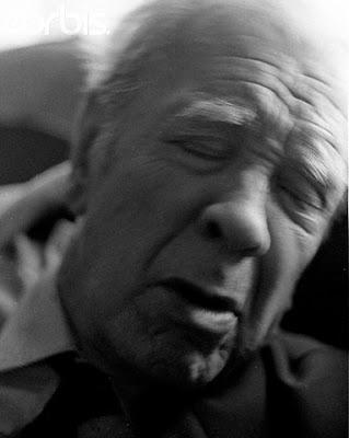 Borges en su casa, 1984, Foto ©Horacio Villalobos-Corbis - borgestodoelanioblogspot.com Florencia Giani