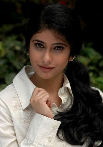 love life movie heroine kashmira pics2