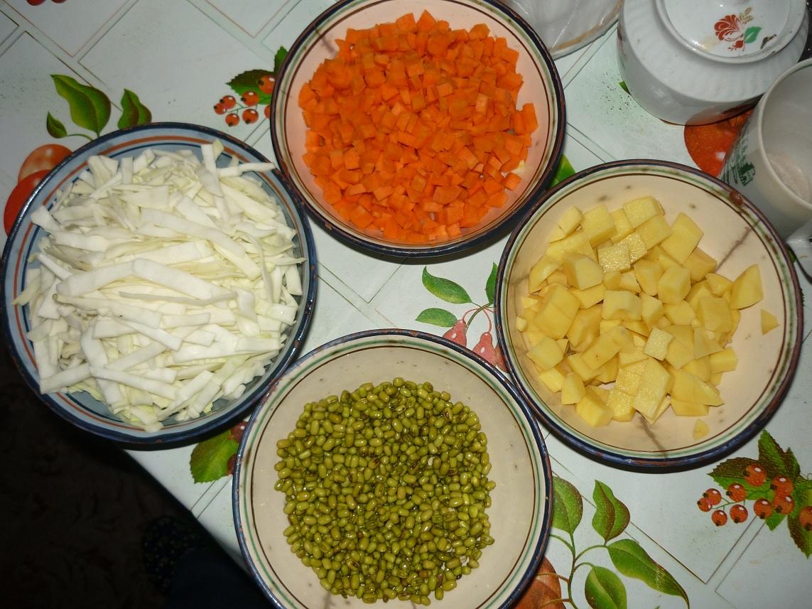Новогодний салат на сыроедный лад