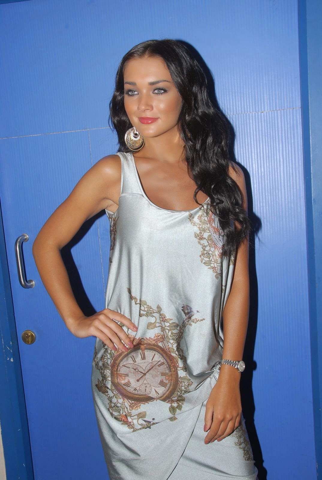 Amy Jackson :Amy Jackson Latest Hot HD Stills in Silver Skirt (Photos/Pics/Images)