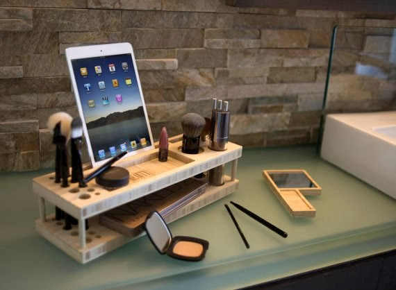 https://www.etsy.com/listing/169147756/beauty-station-makeup-organizer-and?ref=favs_view_1