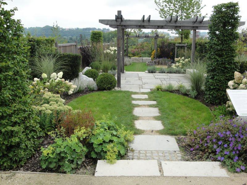 ... ide for de som skal anlegge ny hage og har litt penger til overs