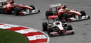 Gambar Mobil Balap F1 McLaren 05