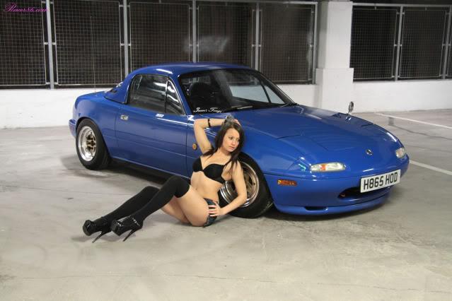 Mazda MX-5 NA, niebieski lakier, blue, brunetka, panny i samochody, fotki, zdjęcia, roadster