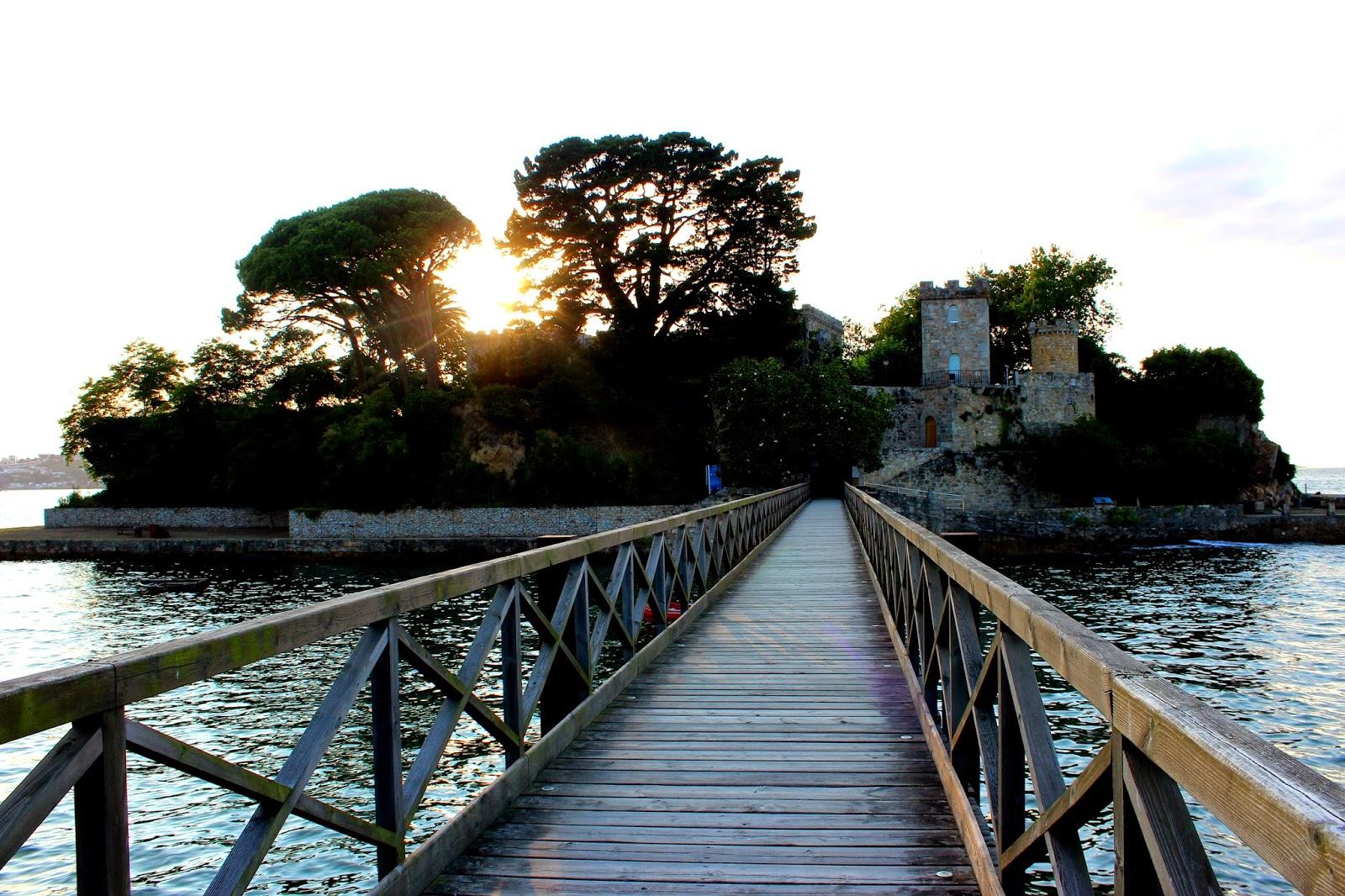 Puesta de sol en la Isla de Sta. Cruz de Oleiros