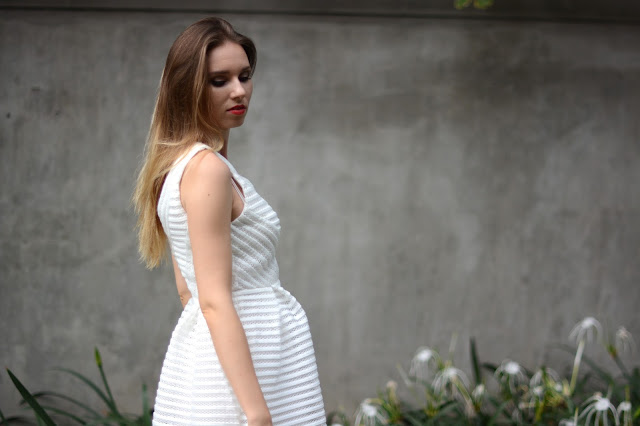 sad girl white dress, shein review, sheinside review, šaty z shein, recenze na shein, recenze na sheinside