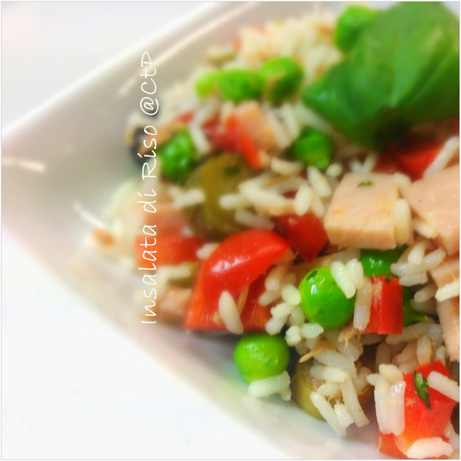 ricetta insalata di riso piselli prosciutto cotto peperoni tonno cetrioli olive verde e pomodorini datterini