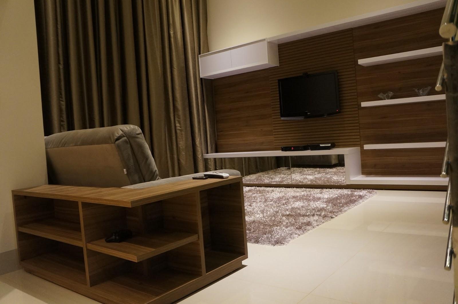 Construindo um Castelinho: Home planejado em sala de pé direito duplo #2D1F0E 1600x1062