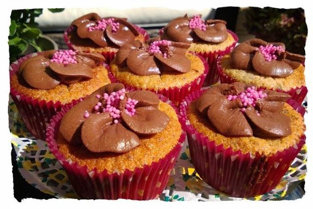 Banaani-suklaa muffinssit