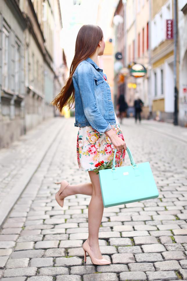 polish girl outfit legs heels long hair