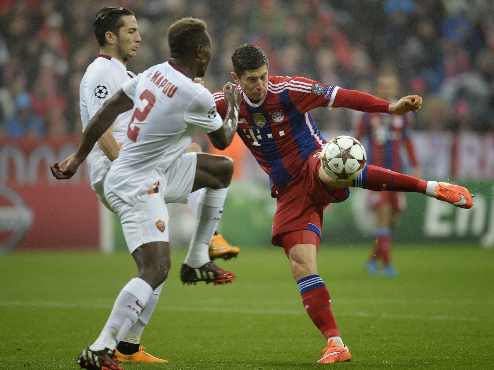 VIDEO Bayern Monaco Roma 2-0 immagini filmato gol highlights