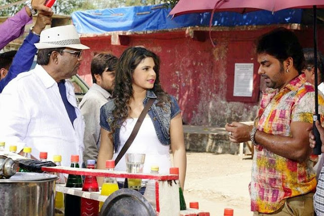 Pawan Singh and Kavya on the set of Sangram Bhojpuri Movie