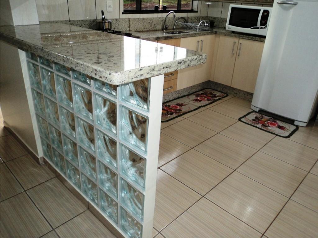 Cozinha Planejada no Granito Branco Dallas Acabamento Duplo Reto #5B4E3E 1024 768