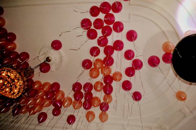baloon party decke kronleuchter