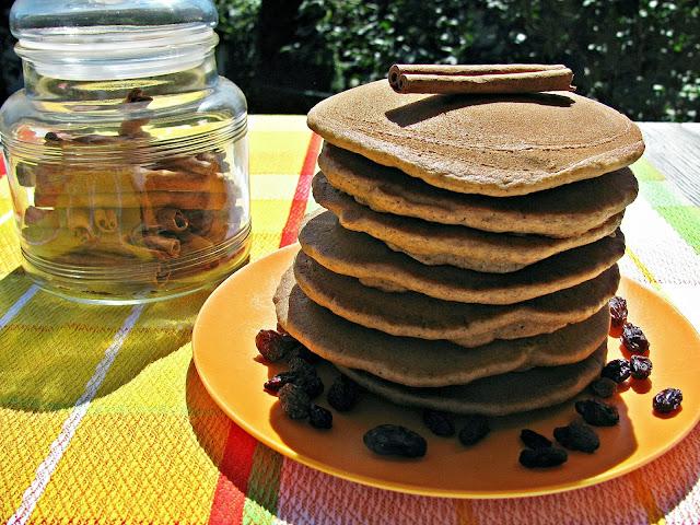 pancakes sans gluten aux raisins et à la cannelle/gluten free raisin and cinnamon pancakes