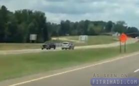 kereta dipandu lawan arus kemalangan